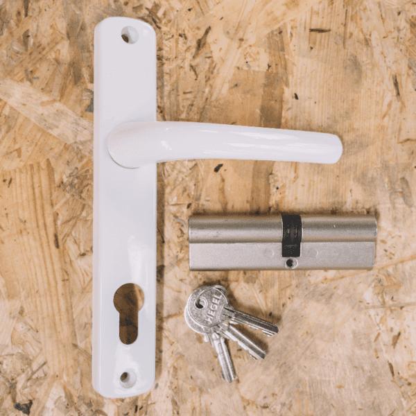 kunststof deur hang- en sluitwerk